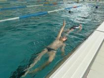 Înotul, mijloc de tratament